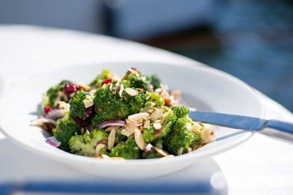 brócoli y ensalada